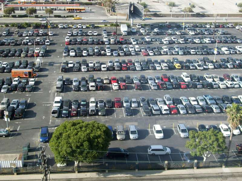 Easy park lax parking at los angeles international airport for Lax parking closest to airport
