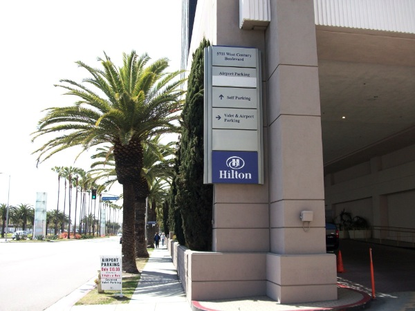 Hilton lax parking at los angeles international airport lax for Lax parking closest to airport