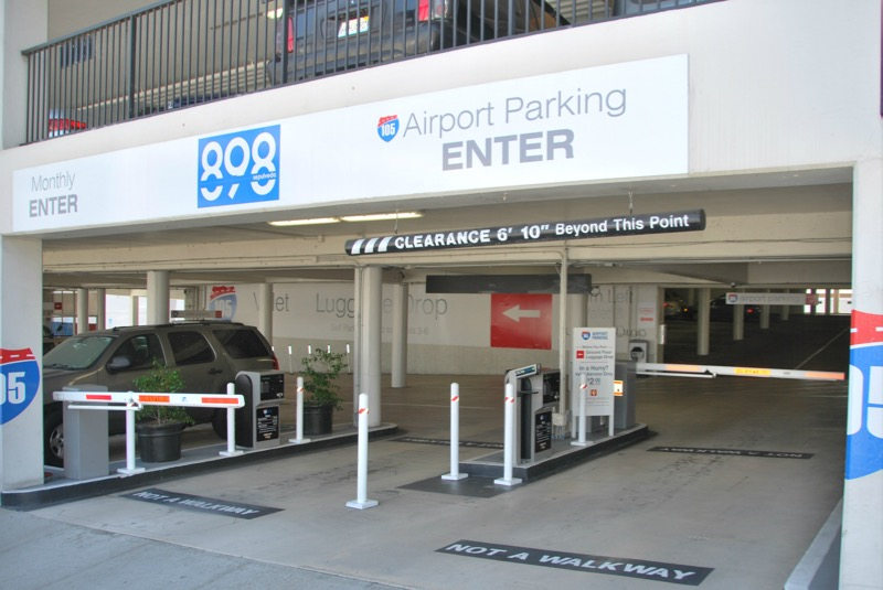 105 airport parking at los angeles los angeles for Lax parking closest to airport