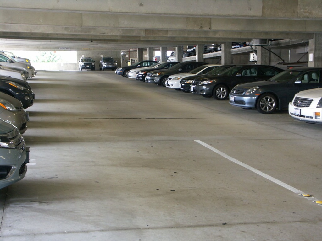 Renaissance montura lax parking at los angeles los angeles for Lax parking closest to airport